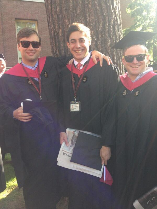 3/4 of the @HourlyNerd founding team as we become @HBSAlumni - THANK YOU TO @HarvardHBS FOR THE SUPPORT! http://t.co/35HWepabAL