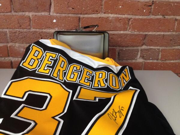 UNLOCKED: RT this for the chance to win a #NHL15Bergeron signed jersey. 1 winner. And of course, lunchbox included. http://t.co/tkfBcQiuX5