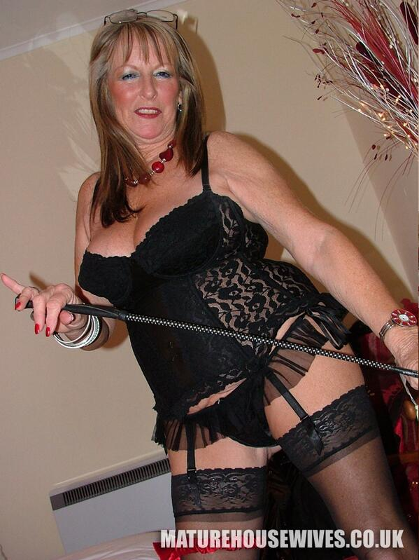 Mature Housewives (@MatureWives)   Twitter