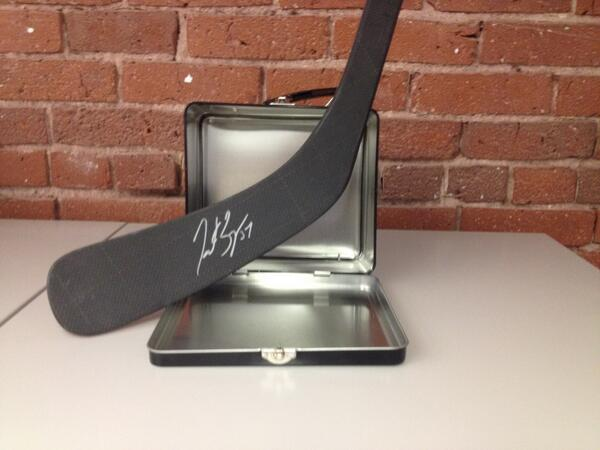 UNLOCKED: RT this for the chance to win a stick signed by #NHL15Bergeron. 1 winner. Yes, you get the lunchbox too. http://t.co/4gxH2lB1Tv