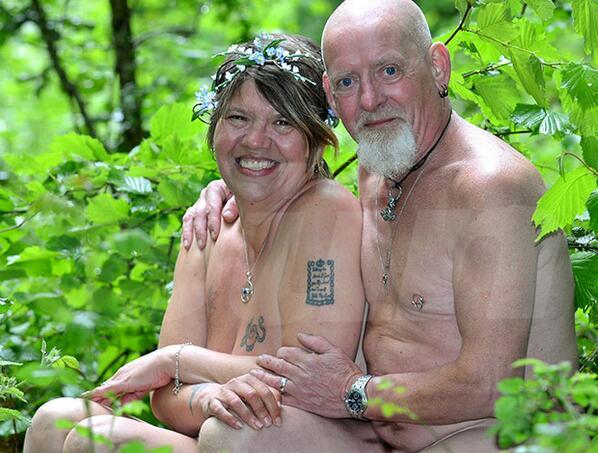 Couple nudist