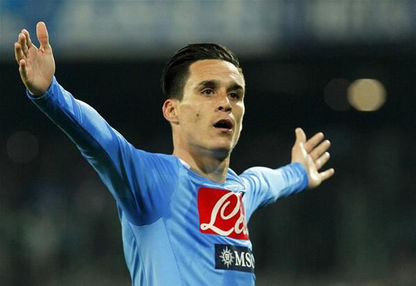 Chelsea and Man City eye Jose Callejon, a player Napoli value at €30 million [Corriere Dello Sport]