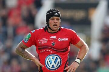 Don't forget what this man has done for @RCTofficiel @bigjoevn has lead from the front everyday. Leaves massive hole. http://t.co/WAMqx5lep8