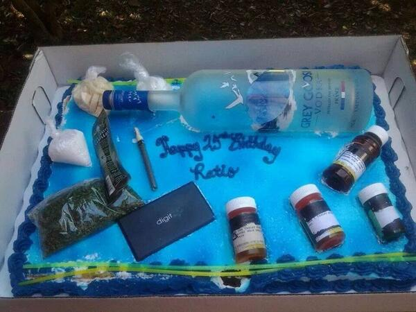 Goldlabellilfoeceo On Twitter Got A Trap House His Cake Http T Co L8pi4exsxi