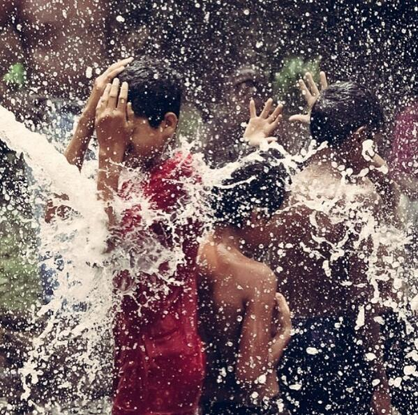 Here's a friday-worthy photo from a community in #Nicaragua enjoying the gift of clean water. Photo: Dave Chavez. http://t.co/O6crnCWvvg