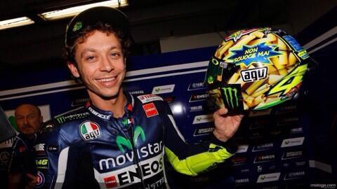 "El casco de @ValeYellow46 para Mugello. ""la pasta italiana no se pasa nunca"" grande! http://t.co/kNdeEwow7n"
