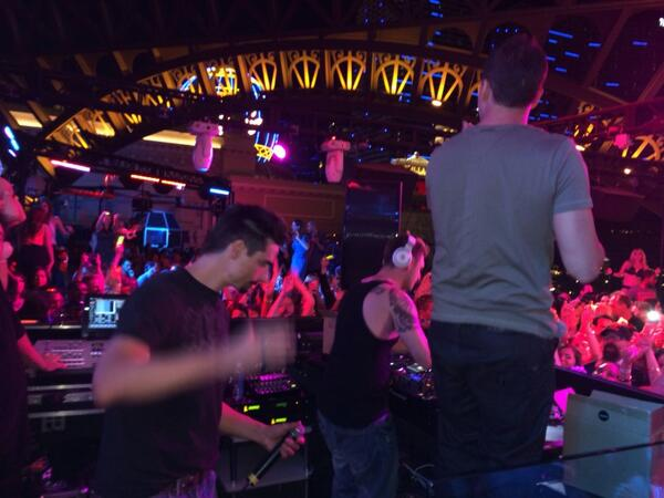 The @backstreetboys killin' it in the DJ booth! Blowin' the top off this rooftop! http://t.co/QIOlkttOoe