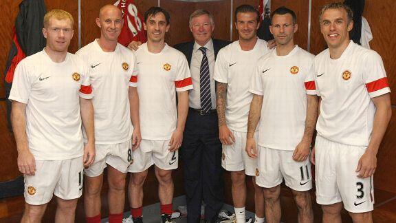 مع اعتزال راين غيغز، تم انتهاء اسطورة جيل 92   #MUFC   http://t.co/17E4omQW86