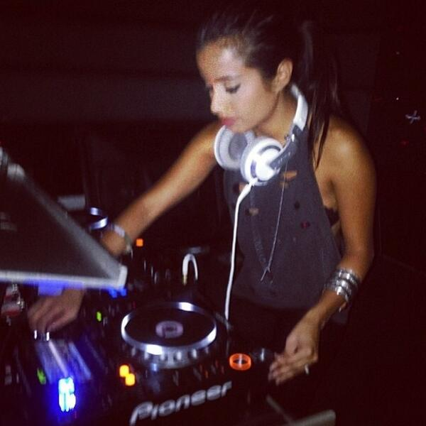 Repost from @lupefuentes! Thanks for coming out on Saturday, we had so much fun! http://t.co/ZZUVi1fK8R