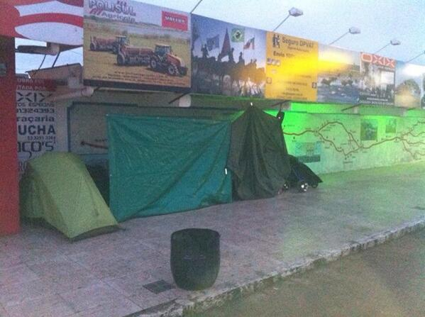 After walking 37km in the rain here is our bed for the night #sleepingrough Donate here http://t.co/tetW5jazEt http://t.co/fGRFoyyFmU