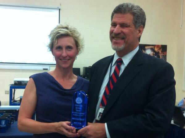 @JeffSparagana with Amy Gazzillo, #Pottstown MS 5th & 6th Teacher of the Year. http://t.co/BO9PZbiCk5