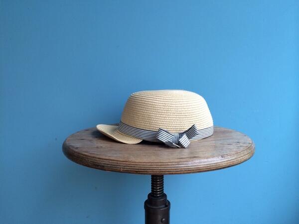 どなたか、お子さまの帽子を落とされてませんか? ユヌクレ前にて拾いました。 心当たりのある方は、ご連絡ください。 お預かりしています。 http://t.co/SHLVBZoJrI