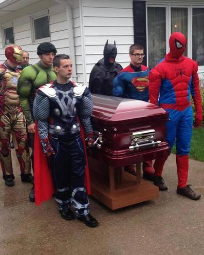 After a 5-year-old lost his battle with #cancer, his family dressed as his fav superheroes http://t.co/1m34yfUfbj http://t.co/LEynpqww97
