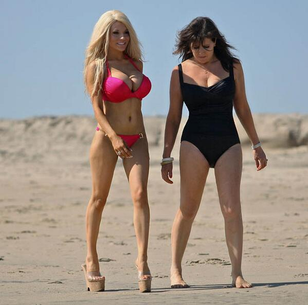 Yikes, The New Kris Jenner! @courtneystodden Flashes