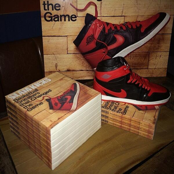 Win a copy of 'Basketball Sneakers that Changed the Game' via @theSTASHED x @SLAMonline: http://t.co/k2WaJ6FAtq http://t.co/4UF9ca1bYw