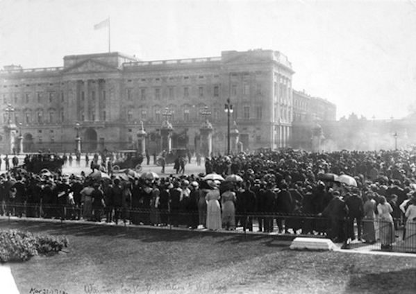 """A hundred years ago today, suffragettes gathered outside Buckingham Palace: http://t.co/SSKUd7W45E @FeministPics""""  VOTE !!!"""