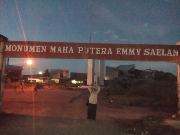 Monumen maha Putra Emmy Saelan