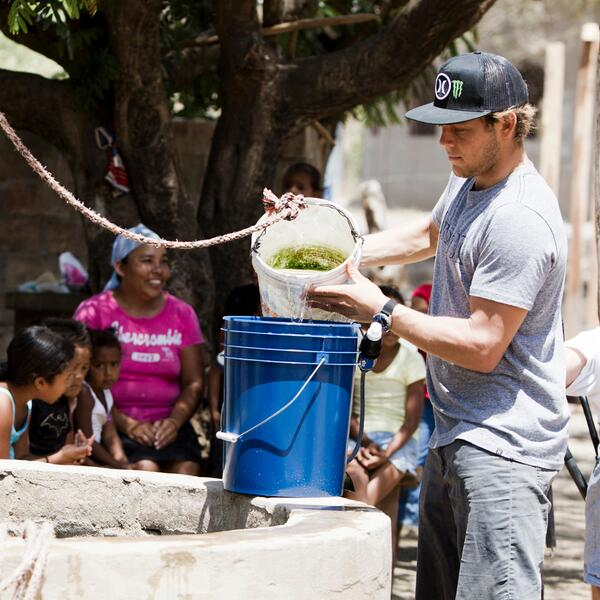 Be the change you want to see. Ambassador @crcoffin preparing well water to be filtered in Nicaragua | @wavesforwater http://t.co/ECISXniN8N