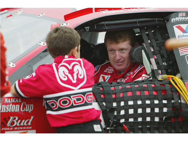 Love this pic. Good luck to @chaseelliott 's dad today.You get my vote for the #NASCAR HOF.Honored to have worked w/u http://t.co/N1dewr7KMl