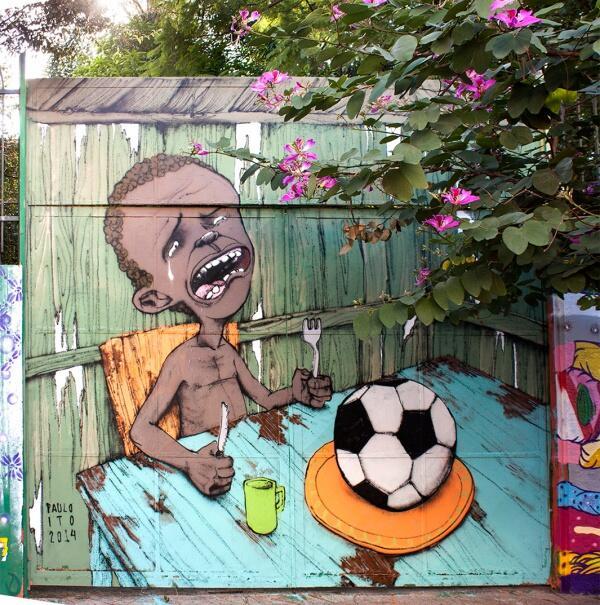 Voici la première image virale de la Coupe du monde… et elle ne va pas plaire à la FIFA http://t.co/VeE78Z2E3G http://t.co/9BDIe4Qx5v