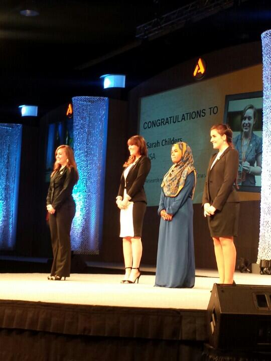 Love the 4 undergrad finalists for the #AlltechYoungScientist Award are women! #Agfuture #GirlsRock #LadyScientist http://t.co/X9BGknMgRr