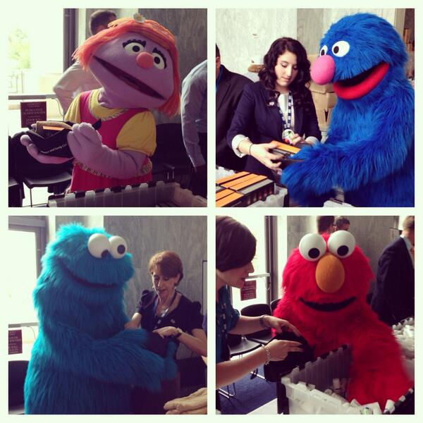 The @sesamestreet gang is doing a great  job assembling Warrior Care Packs. #USOmoments http://t.co/oATrlxk7X6