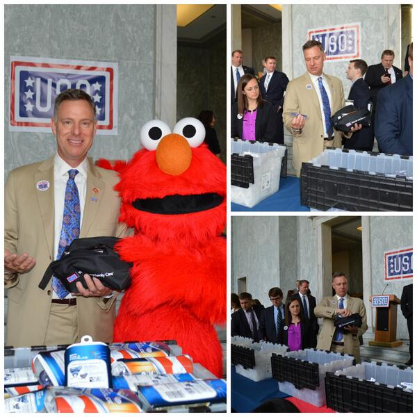Proud to join @the_USO & @sesamestreet to assemble care packages for wounded, ill, and injured servicemembers. http://t.co/HnFreWIiWX