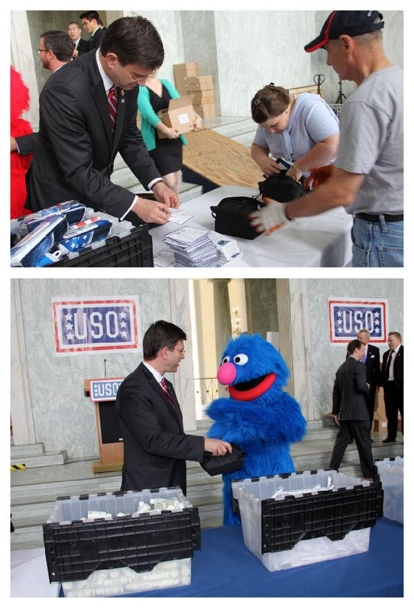Honored to join the @the_USO Service Project & @sesamestreet today to pack Warrior Care Packs for our troops http://t.co/crOvkE912m