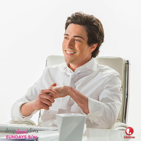 FRED IS BACK! 'RT' if you can't wait to see everyone's favorite guardian angel return to #DropDeadDiva on June 1st! http://t.co/uj6mEyGXGK