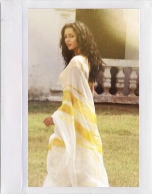Ek deewana tha heroine in yellow dress