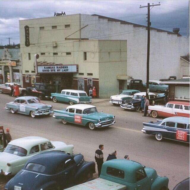 RT @cam_testerman15: 1950 grapevine Main Street palace theatre http://t.co/vsinUSOKvK