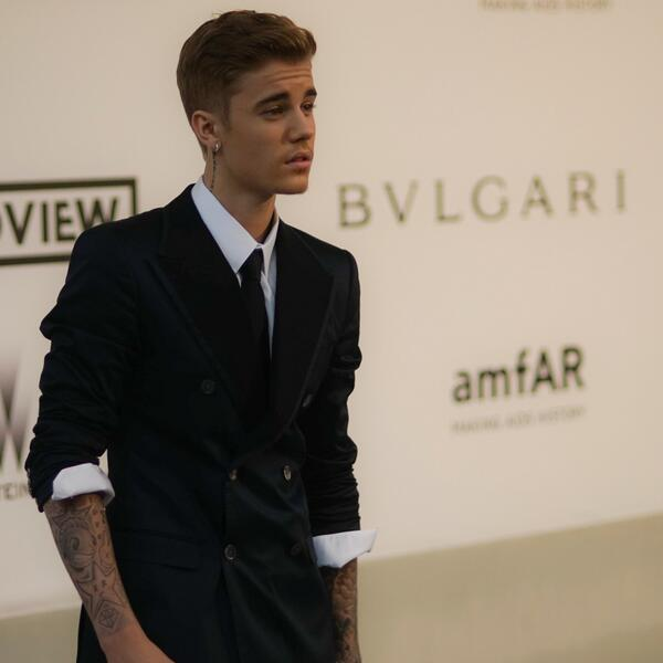A new generation is ready to stand up and support. Thank you for joining us tonight, @justinbieber. #amfARCannes http://t.co/mAFROV55NH