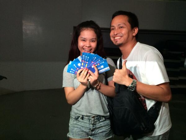 These two + another friend bought a total of 15 VIP One Direction tix!!! Total= roughly P270,000 !!! http://t.co/dIUcvdZC8a