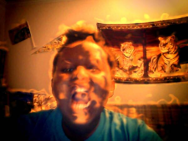 ahhhhhhh im on fire #webcamtoy http://t.co/MCgAVbYL73