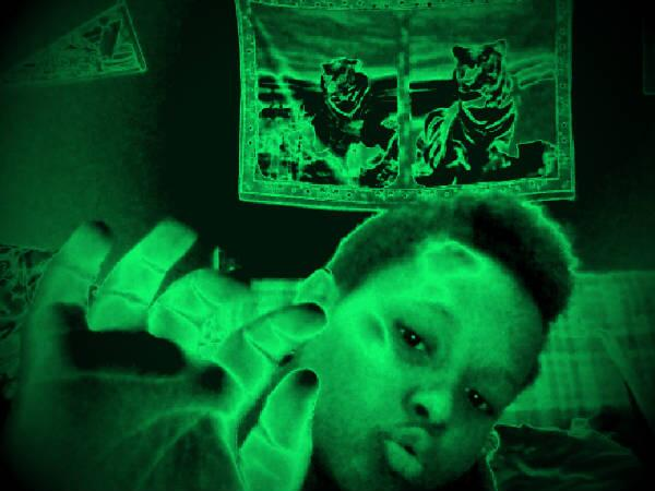 imma ghost boo #webcamtoy http://t.co/eVkTXpTGHF