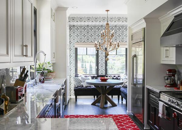 The perfect Friday space - this farmhouse French kitchen from @LonnyMag http://t.co/2JTGhDsSG3 http://t.co/Wqi3CMdT24