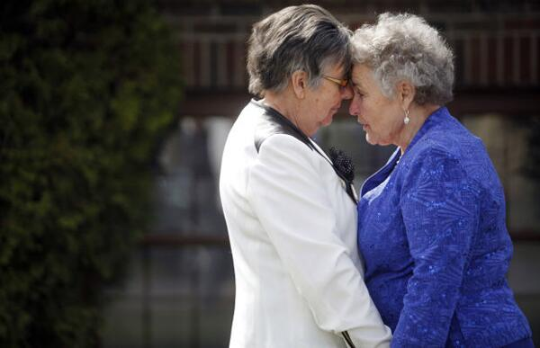 Meet one of the couples suing for the freedom to marry in #SouthDakota, together 27 years http://t.co/O2e2WucKfc  http://t.co/xpFa3jfr55