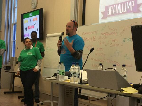 30 sec randomised pitches in full swing at #edtech @StartupWeekend @AccelerateCam #swcambridge http://t.co/x7h6Hwh8LQ