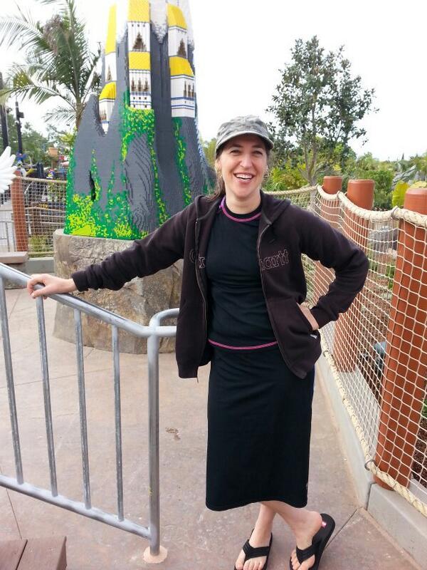 Enjoying #legoland with @missmayim at new #chima waterpark #bigbangtheory http://t.co/bzIWnbBkze