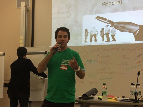 Mark pitching wearable tech that sts can use to interact with online course content #edtech #swcambridge http://t.co/yvTFSrj8wW