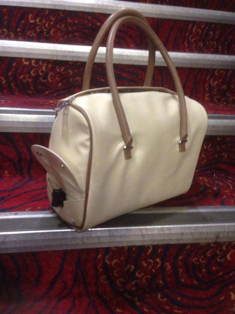 Julia Worsley On Twitter Katerobbins This Is The Handbag I Want Wine Tap Hidden Under Side Flap T Co Oevcwyb6a9 Rionaoconnor Sharontonuk