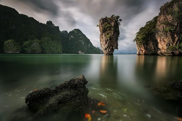 Wow! RT @zaibatsu: James Bond Island, Thailand by Sebleu #photo http://t.co/l0TcPf9DLu