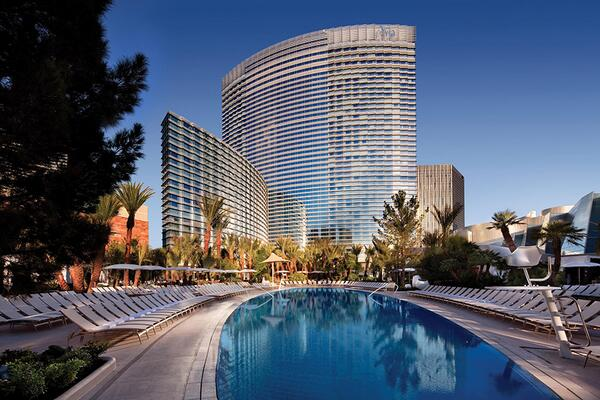 Three elliptical pools heated 365 days per year. #HowWeVegas http://t.co/GWjkjCWySa