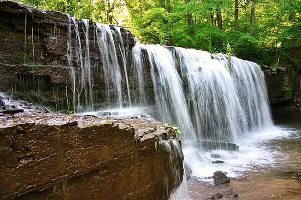 Hidden Falls at Nerstrand Big Woods State Park @mnstateparks http://t.co/Am07HfIwb7