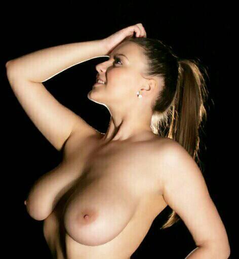 #sexysaturday #topless #artnude #shadows #skin #boobs #bignaturals http://t.co/L7iGKyZaf5