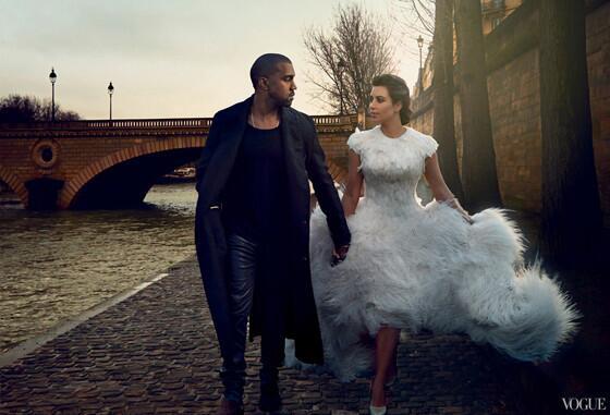 Kim Kardashian & Kanye West are husband and wife! eonli.ne/1txjYA6 #KimyeWedding