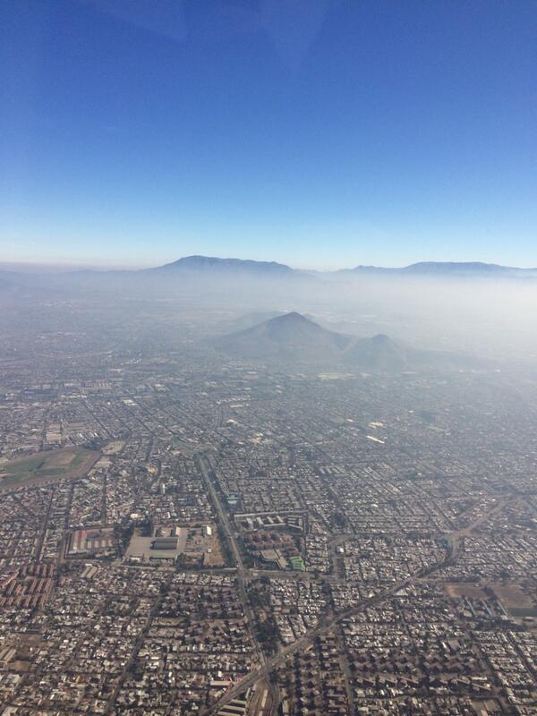 Así se ve hoy Santiago desde el aire http://t.co/ya8CoHNN52
