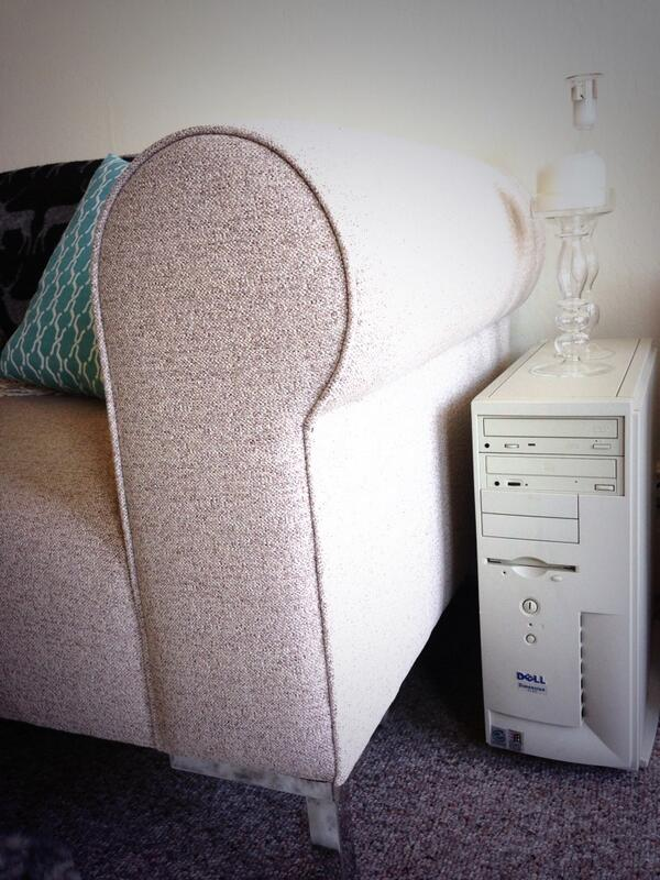 One day I'll trade in my ancient Dell tower for a proper end table. http://t.co/UcTwwuwpUw
