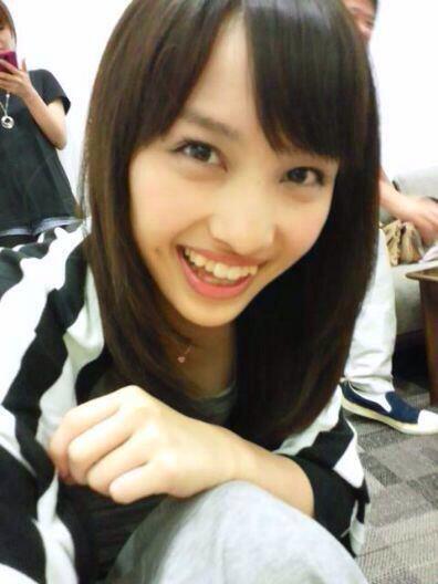 八重歯が可愛い百田夏菜子