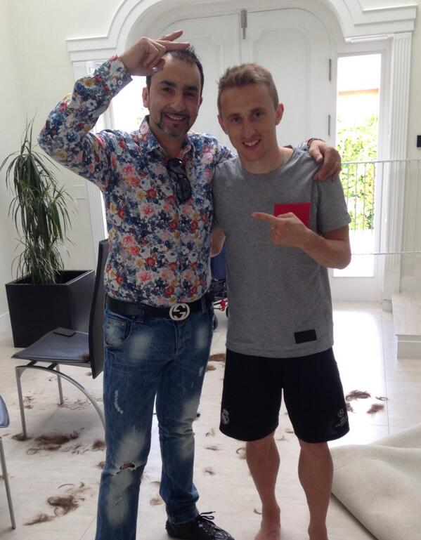 ¿Cuánto mide Luka Modric? - Altura - Real height - Página 2 BofpEcSCEAEimcE?format=jpg&name=medium
